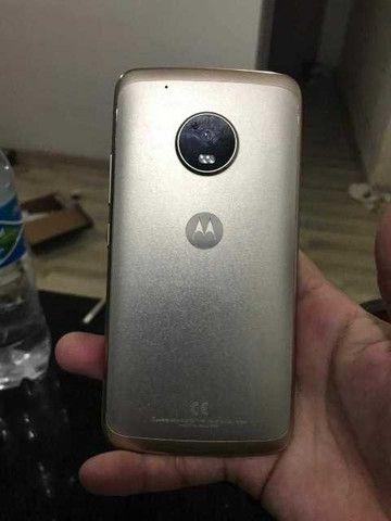 Moto G5 plus - 2 chips obs: Funcionando , precisa trocar tela