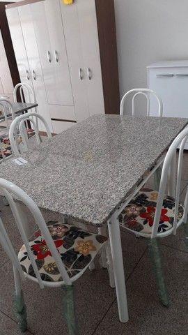 Mesa de Granito com 4 cadeiras - Foto 2
