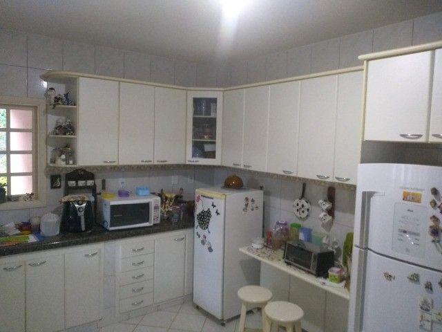 Casa com três dormitórios numa área de 720 m2 em Bairro nobre de São Lourenço-MG. - Foto 8