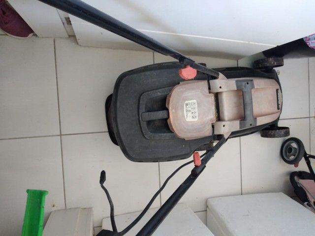 Cortador de grama black Decker - perfeito estado - Foto 2