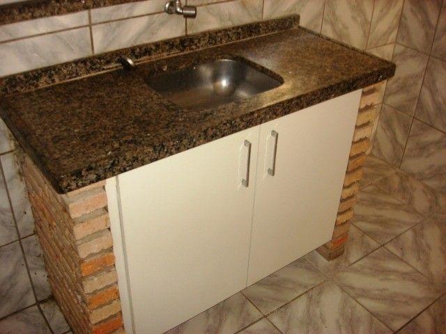 Benfica Apto com 02 Qtos, Sala, WC, Cozinha, 1 vaga para carro.(Cód.613) - Foto 4