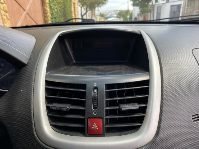 Peugeot 207 Passion 1.4 2011 Completo Impecável  - Foto 16