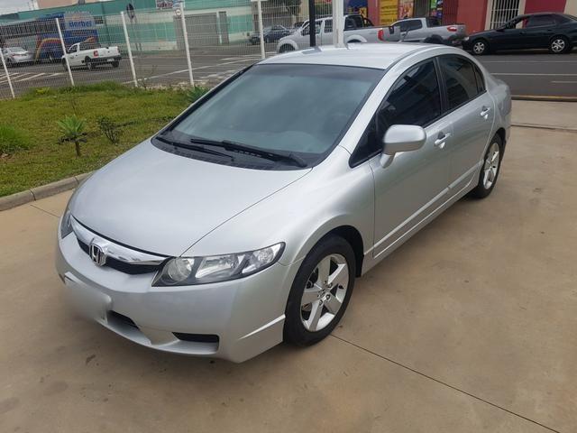 Honda Civic LXS Automático Novissimo