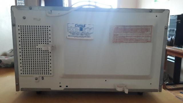 Micro-ondas 25L - 220v - Funcionando perfeitamente - Foto 4
