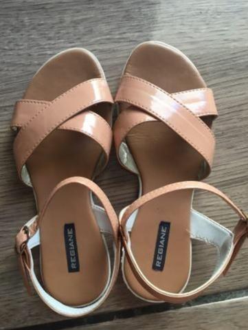 Sandália/ Sapato