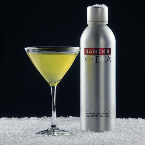 Vodka Dinamarquesa Danzka Original e sabores Grapefruit, Citrus, Apple e  Currant !