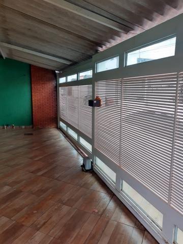 Casa 02 qtos,com área de lazer,e closet