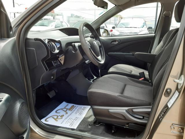 Toyota Etios XS 1.5 Automático 16/17 - Troco e Financio!! - Foto 15