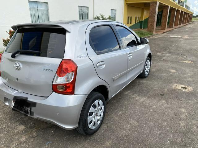 Toyota Etios, completo controle de som no volante, automático, multimídia, carro novo - Foto 3