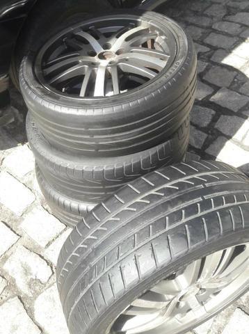 """Vende-se jogo de rodas 17"""" 5 furos com pneus meia vida! - Foto 2"""