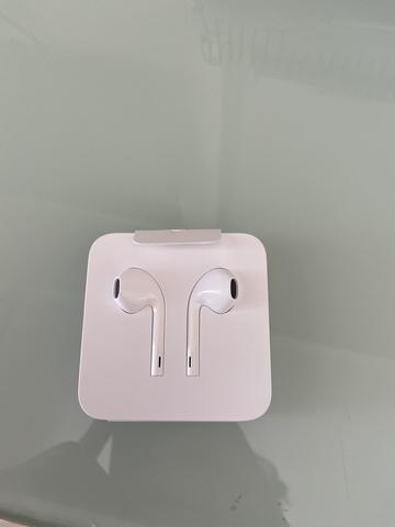 Fone de ouvido Apple Earpod com microfone e controle de volume