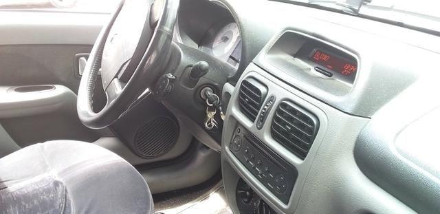 Clio sedan 2007 - Foto 2