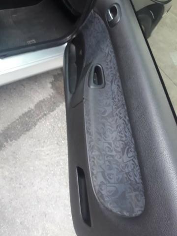Peugeot quicksilver 1.0 quitado em boas condições econômico