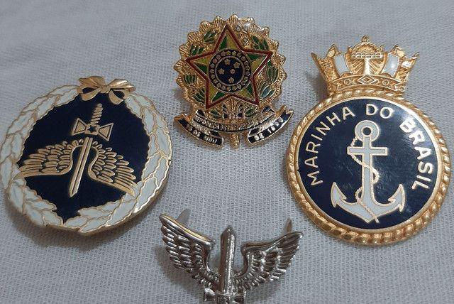 Broches da Marinha