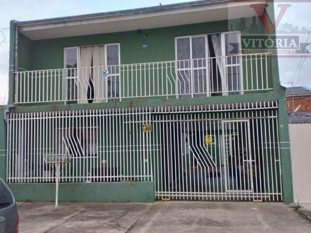 Sobrado no Tatuquara com 3 quartos sendo uma suíte; próximo ao módulo policia, parque, Hip