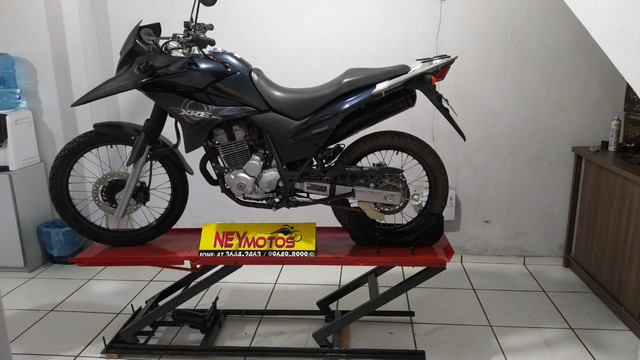 Elevador de motos de  fabrica 350 kg - zap 24horas deixe seu número  - Foto 3
