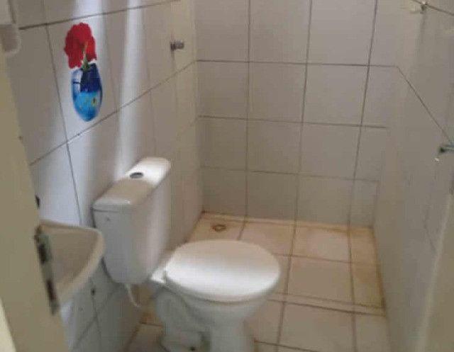 Aluga-se uma casa condomínio fechado - Foto 5