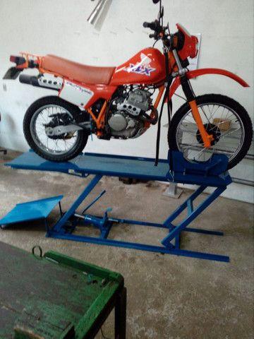 Elevador de motos de  fabrica 350 kg - zap 24horas deixe seu número  - Foto 12