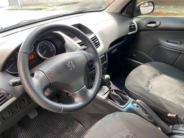Peugeot 207 Passion 1.4 2011 Completo Impecável  - Foto 15