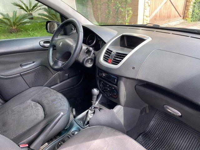 Peugeot 207 Passion 1.4 2011 Completo Impecável  - Foto 13