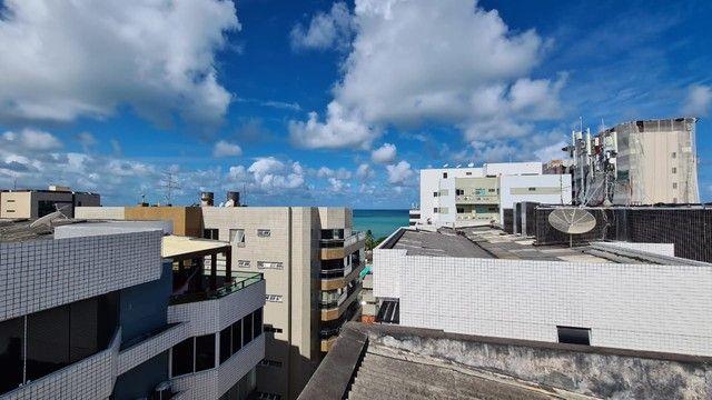Cobertura para venda possui 254 metros quadrados com 4 quartos em Ponta Verde - Maceió - A