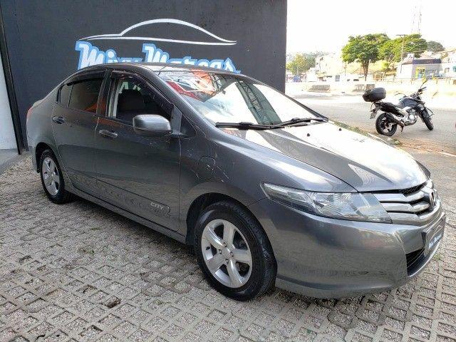 City LX 2010 Automático