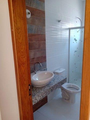 Maravilhosa casa em Itaipuaçú com uma excelente sala de estar!!!  - Foto 14