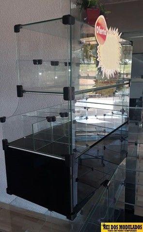 Baleiro de vidro com caixa