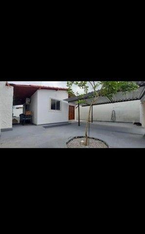 Casa em rua pública - Foto 2
