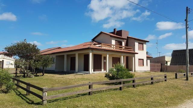 Alugo casa no Hermenegildo