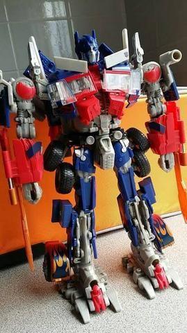 Bonecos transformers
