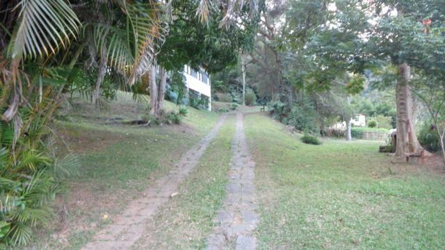 Sítio Itaipava medindo 63.000m² grande frente para estrada asfaltada - Foto 4