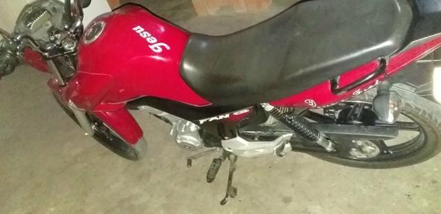 Vendo esta moto 7mil