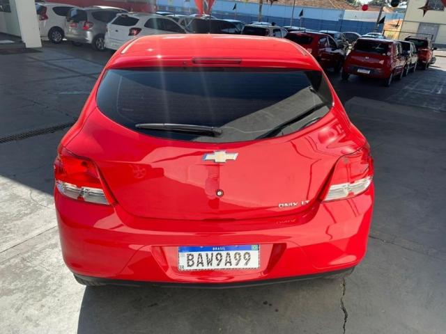 Chevrolet Onix LT 1.0 FLEX 4P - Foto 6