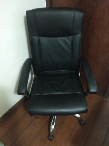Cadeira Diretora - em prefeito estado