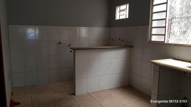Urgente Linda Casa de 3 Quartos Escriturada + Barraco de Fundo - Foto 4