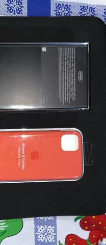 Iphone 11 pro max 64gb com case de silicone