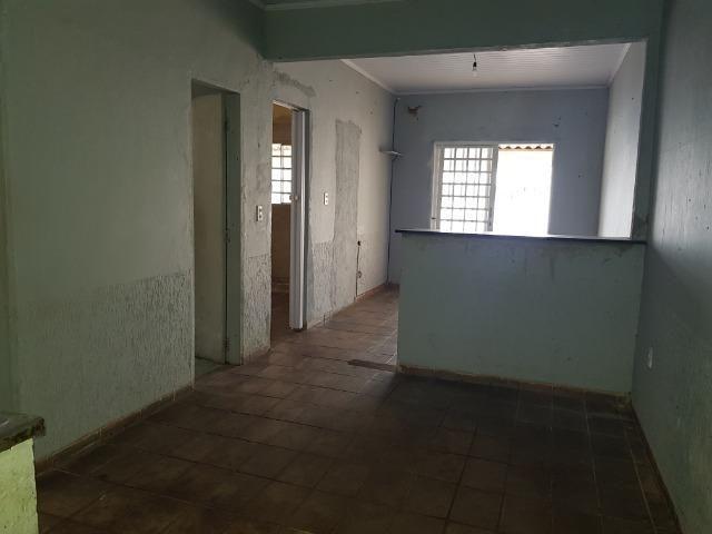 Escriturada Casa de 2 Quartos + Barraco de Fundo - Oportunidade - Foto 3