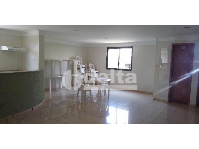 Apartamento para alugar com 3 dormitórios em Saraiva, Uberlândia cod:605513 - Foto 15