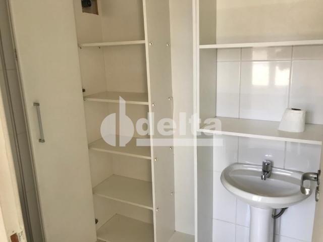 Apartamento para alugar com 3 dormitórios em Saraiva, Uberlândia cod:606262 - Foto 9