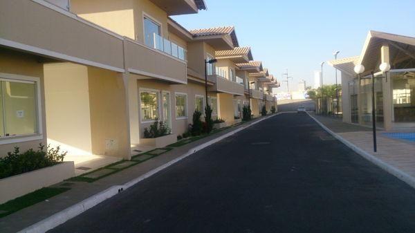 Casa em condomínio com 3 quartos no R- Vilar Primavera - Bairro Setor Castelo Branco em Go - Foto 3