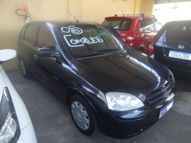 Gm - Chevrolet Corsa Hatch 05 Muito Novinho!