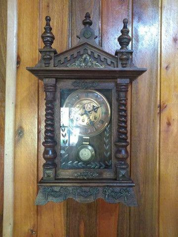 Raríssimo !!! Relógio antigo funcionando !!!