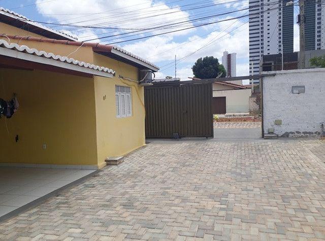 Aluga-se uma casa condomínio fechado - Foto 11