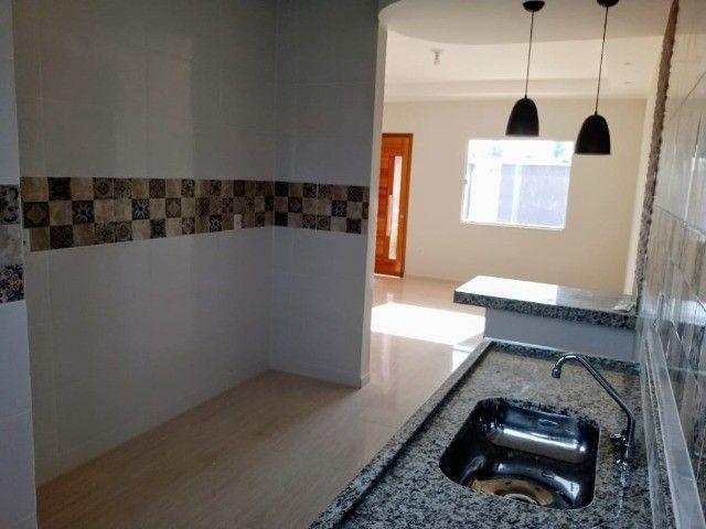 Maravilhosa casa em Itaipuaçú com uma excelente sala de estar!!!  - Foto 11