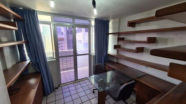 Cobertura para venda possui 254 metros quadrados com 4 quartos em Ponta Verde - Maceió - A - Foto 17