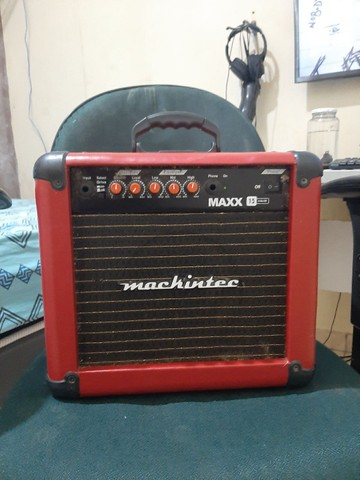 Cubo Amplificador de Guitarra e Cabo P10 Reforçado Profissional