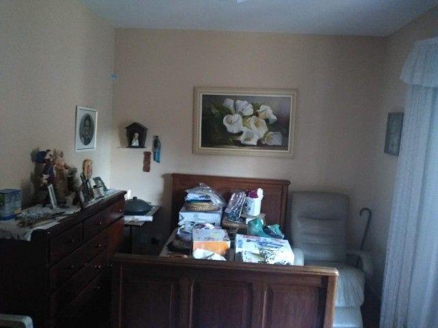 Casa com três dormitórios numa área de 720 m2 em Bairro nobre de São Lourenço-MG. - Foto 2