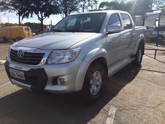 R$: 70.000,00 Hilux 2.7 Flex SRV aut. 4x4