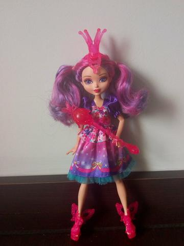 Barbie e o portal secreto Malucia